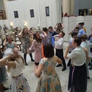 Выпускной для начальной школы в корпусе Бенуа Русского музея